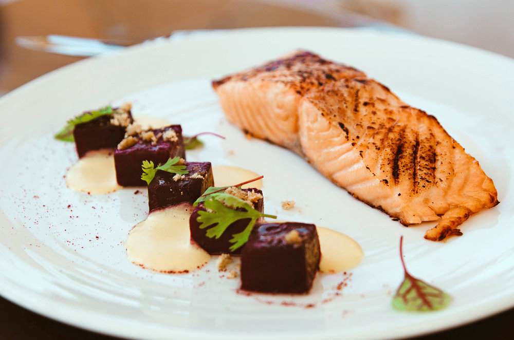 Roasted salmon with beetroot