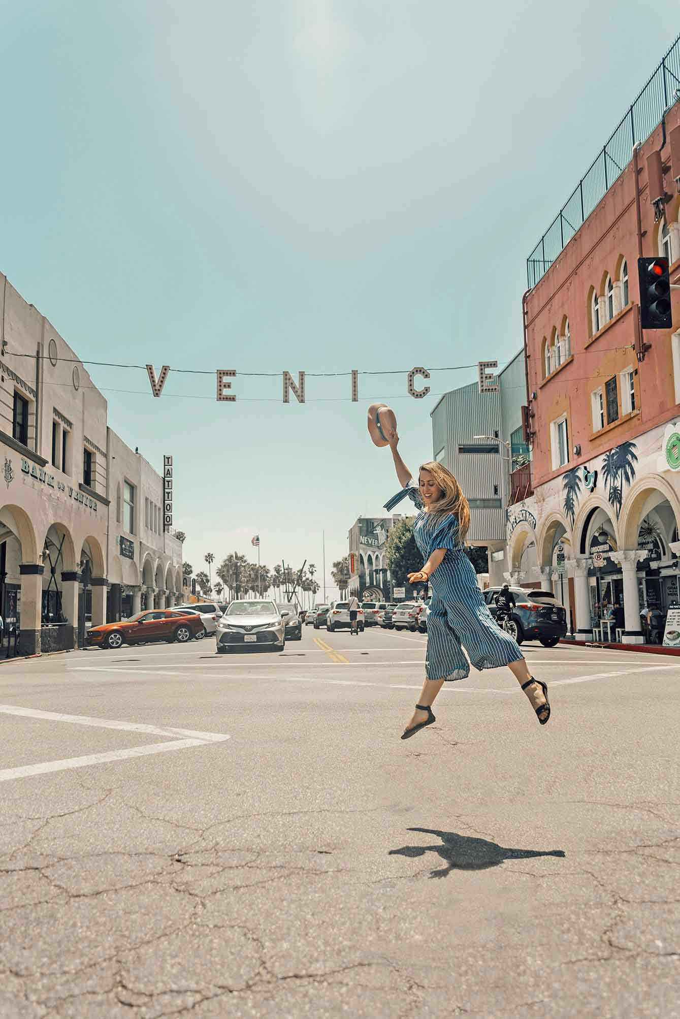 Venice beach Sign girl