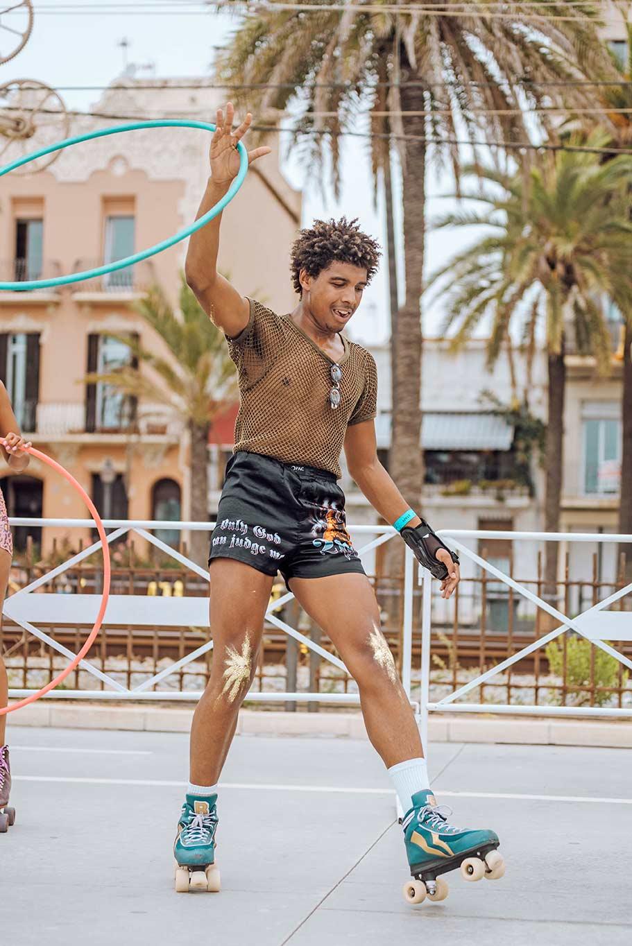 hula hoop skate