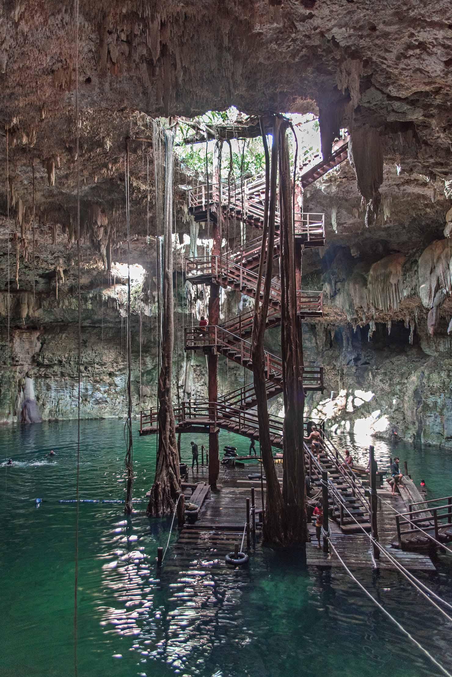 cenote maya mexico